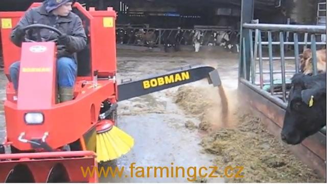 BOBMAN SL s přídavným přihrnovačem krmiva